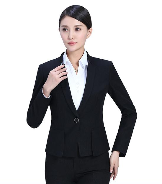 定制休闲西装的细节是什么?定制休闲西装的颜色怎样搭配?
